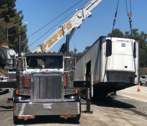 TRAILER LIFTS IN LOS ANGELES