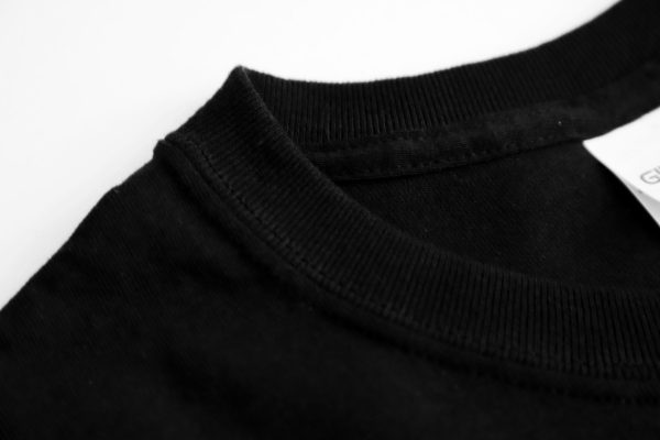 Short Sleeve Shirt Collar Close Up