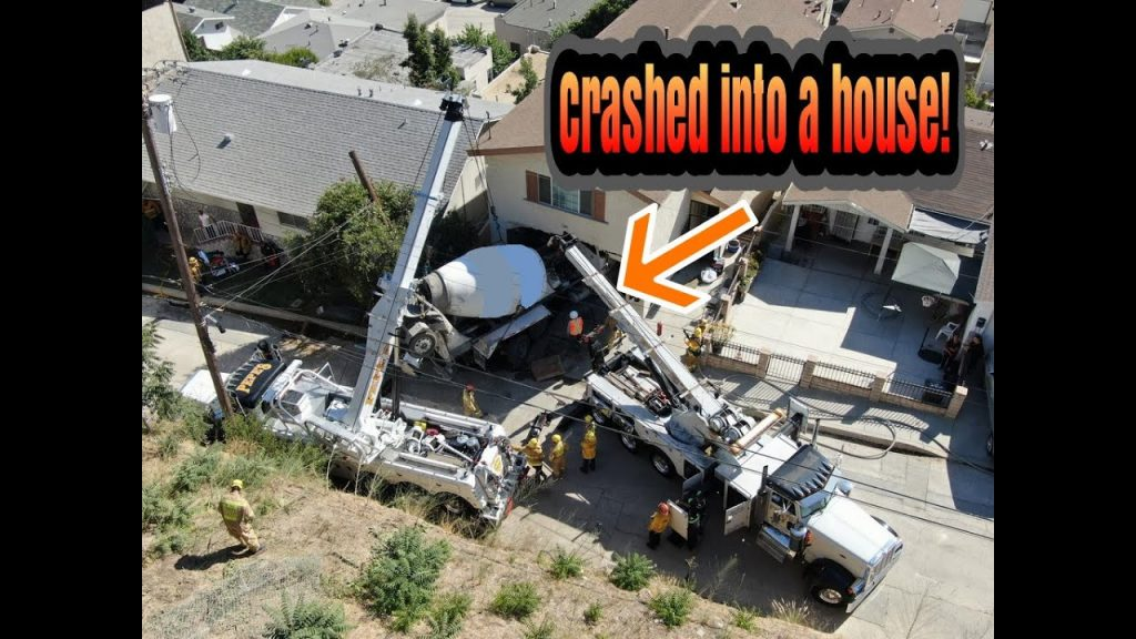 Big Truck Rolled Down a Hill and Crashed into a House!
