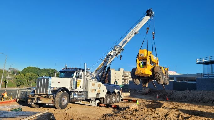 contruction towing | Pepe's Heavy-Duty Towing Los Angeles